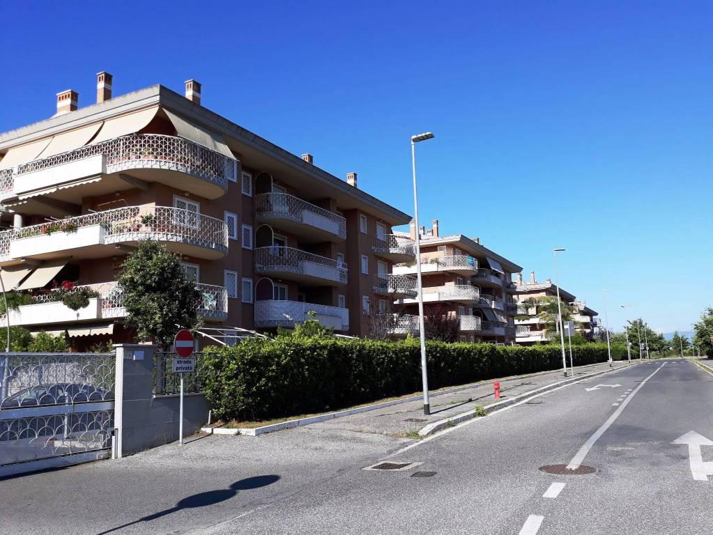 Appartamento in vendita a Roma, 2 locali, zona Zona: 37 . Morena - Ciampino - Trigoria - Falcognana, prezzo € 223.000   CambioCasa.it