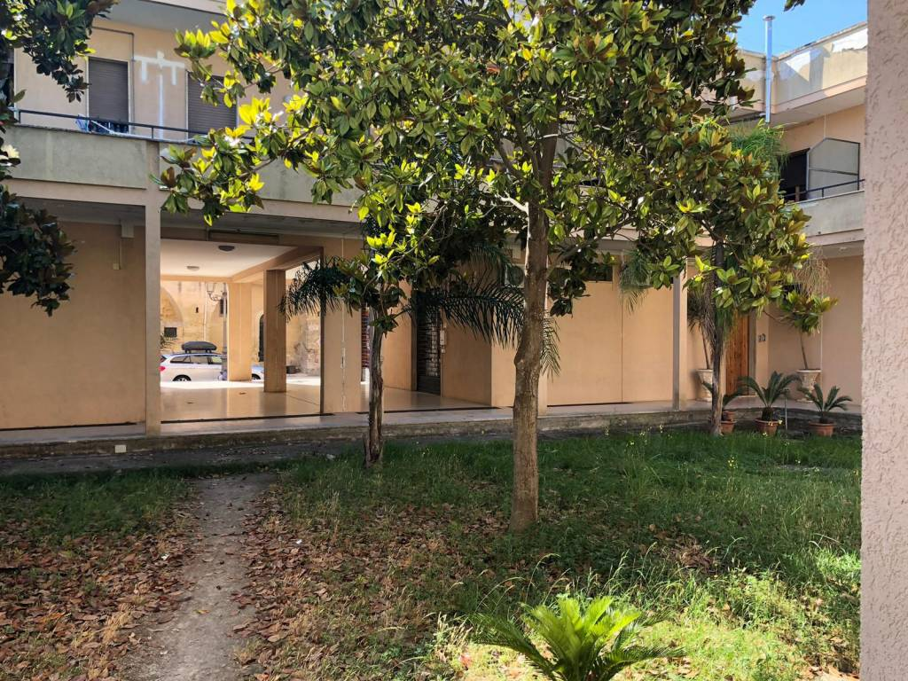 Appartamento in Affitto a Cavallino Centro: 5 locali, 140 mq