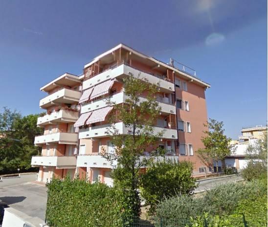 Appartamento in ottime condizioni arredato in vendita Rif. 9289084