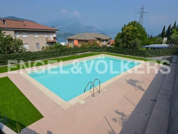 Appartamento in ottime condizioni in vendita Rif. 9212512