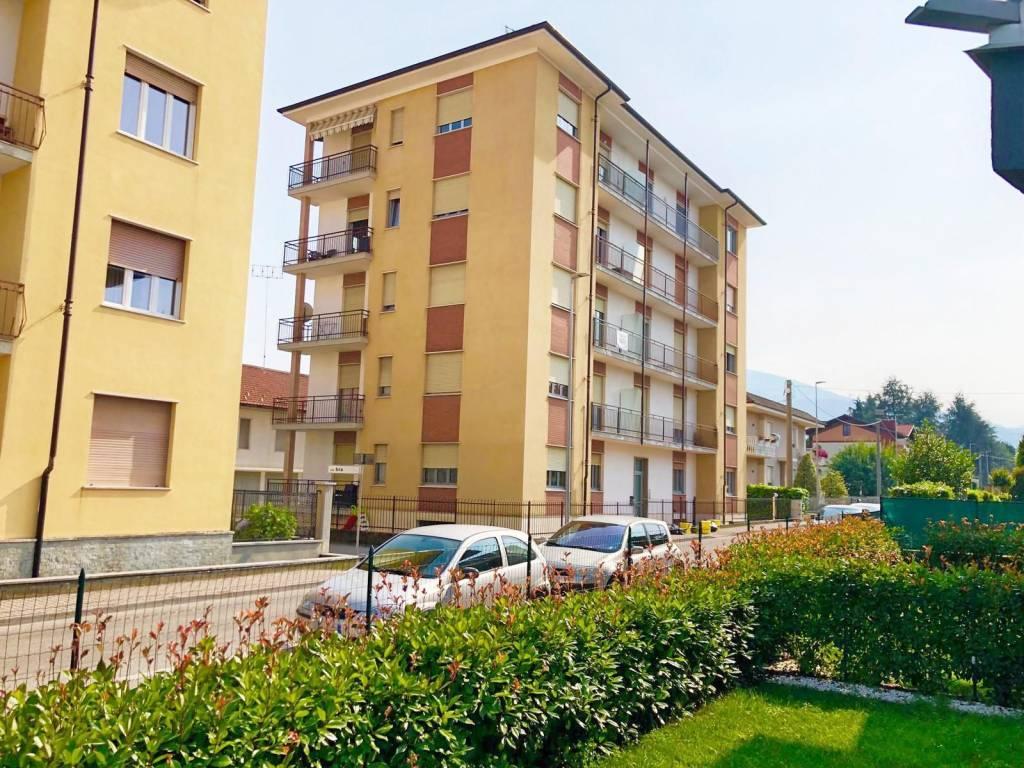 Appartamento in ottime condizioni in vendita Rif. 7403656