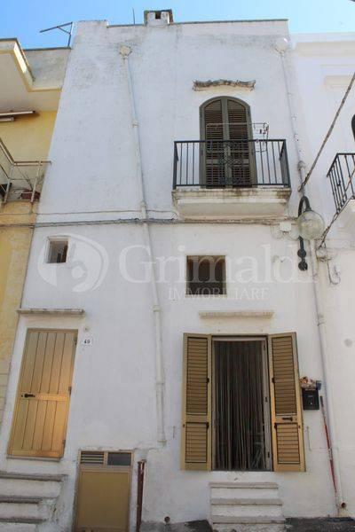 Casa indipendente in Vendita a Tuglie Centro: 4 locali, 99 mq