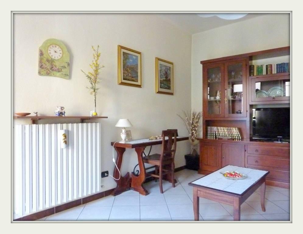 Appartamento in vendita a Bregnano, 2 locali, prezzo € 70.000 | CambioCasa.it
