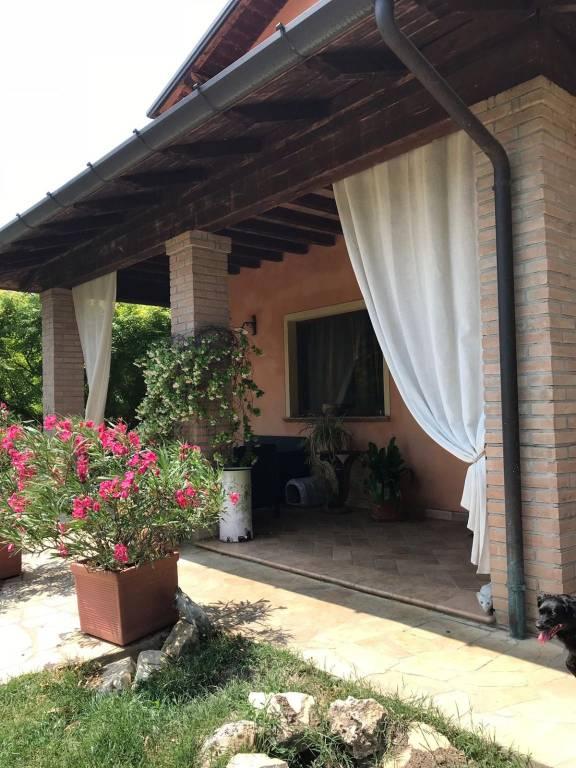 Villa in Vendita a Rivergaro Periferia: 4 locali, 150 mq