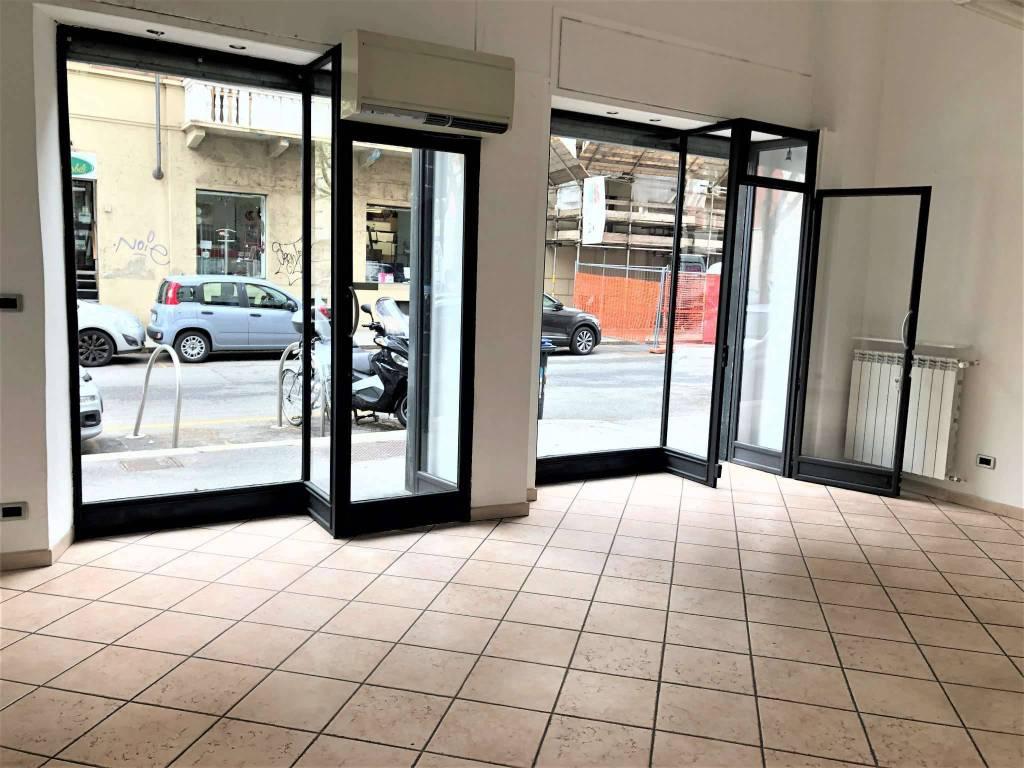 Negozio in affitto Zona Parella, Pozzo Strada - via Valentino Carrera 2 Torino