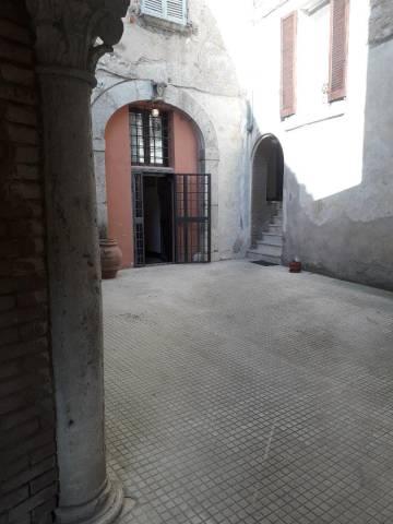 Appartamento in ottime condizioni arredato in affitto Rif. 4968347