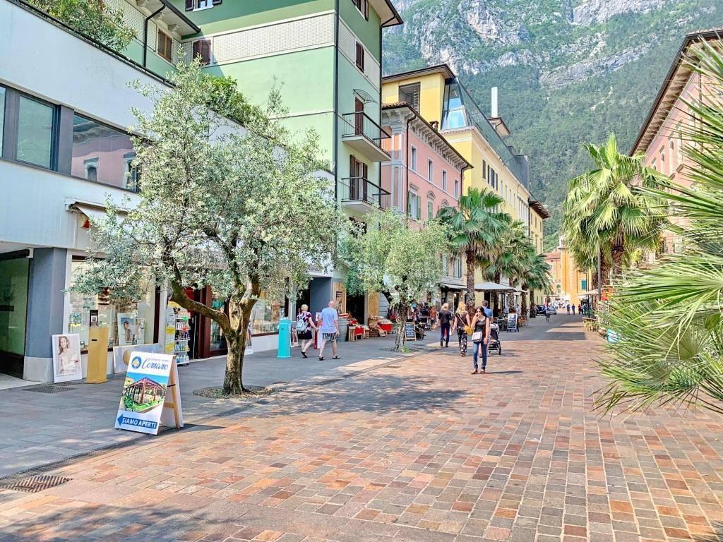 Foto attivit� commerciale in vendita a Riva del Garda (Trento)