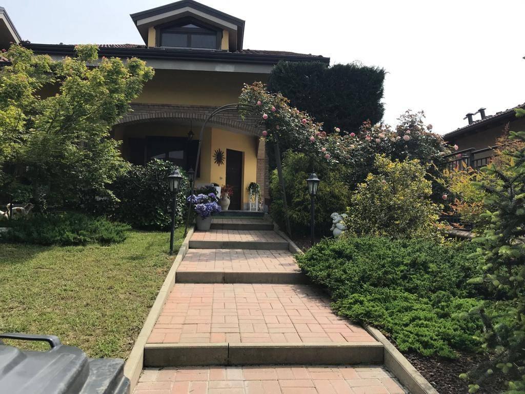 Foto 1 di Villa via Dell'Erica 11, Lombardore