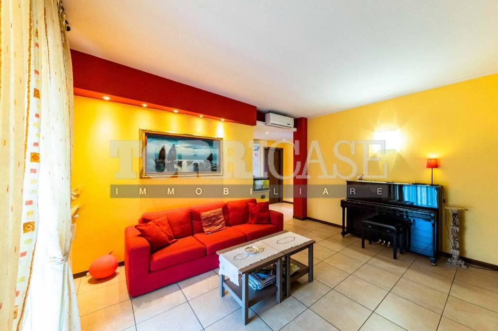 Appartamento in vendita a Villa di Serio, 3 locali, prezzo € 120.000 | PortaleAgenzieImmobiliari.it