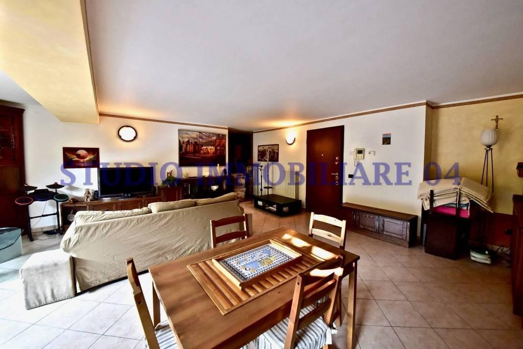 Appartamento in vendita a Cesano Maderno, 3 locali, prezzo € 198.000 | PortaleAgenzieImmobiliari.it