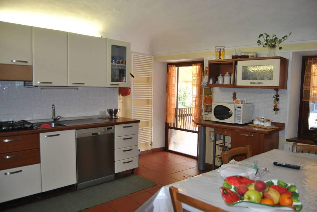 Foto 1 di Casa indipendente via Casale 16,  Caravino