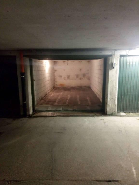 Box / Garage in vendita a San Donato Milanese, 1 locali, prezzo € 25.000 | CambioCasa.it