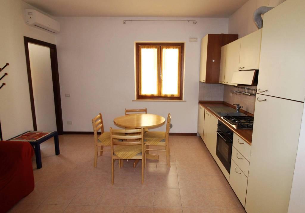 Appartamento in vendita a Verona, 3 locali, zona Zona: 4 . Saval - Borgo Milano - Chievo, prezzo € 160.000 | CambioCasa.it
