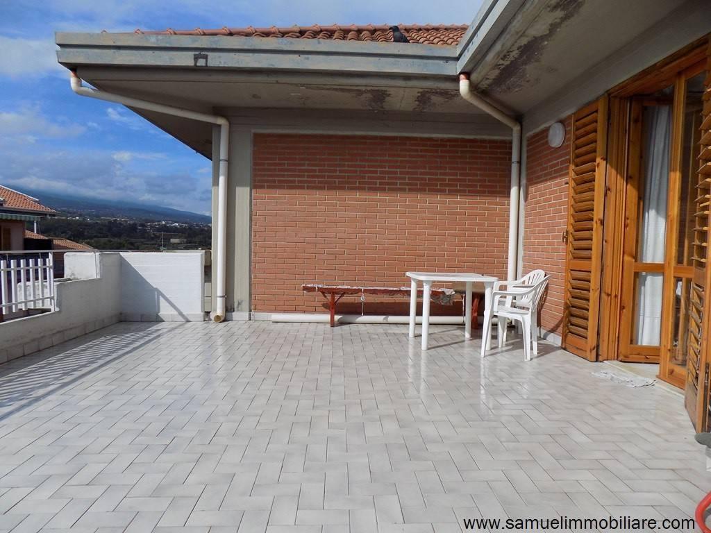 Appartamento in vendita a Santa Venerina, 6 locali, prezzo € 164.000 | PortaleAgenzieImmobiliari.it