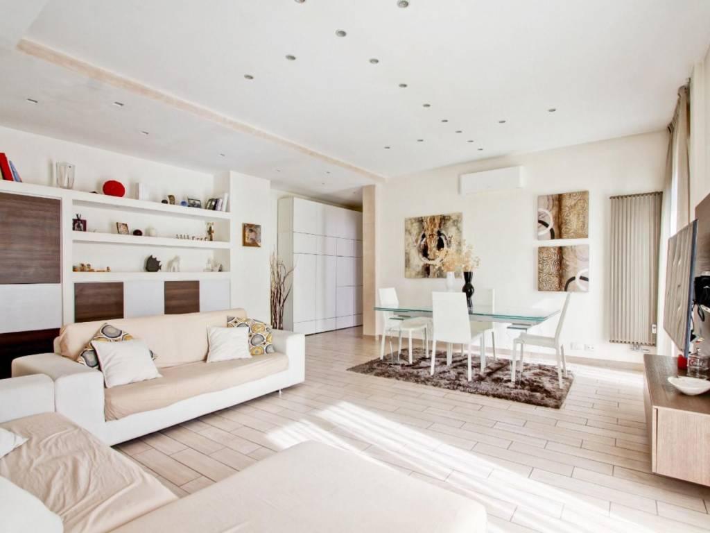Appartamento in vendita a Roma, 3 locali, zona Zona: 12 . Cinecittà,Don Bosco, Lucrezia Romana, prezzo € 375.000 | CambioCasa.it