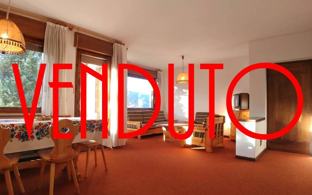 Appartamento in buone condizioni arredato in vendita Rif. 4403455