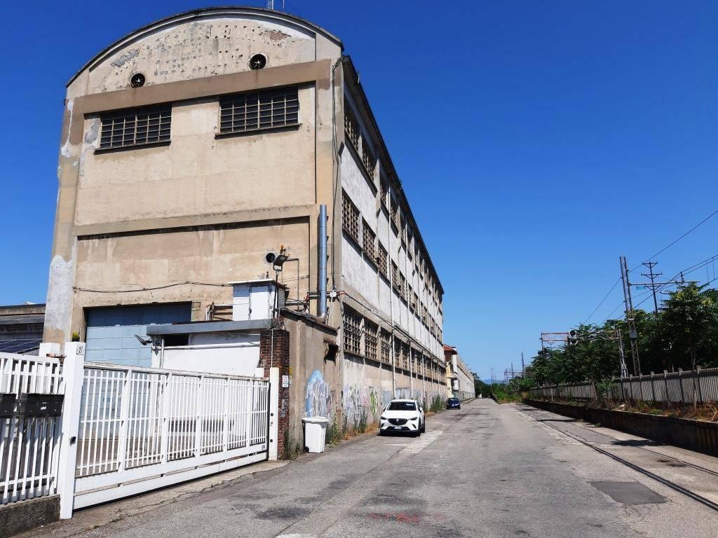Capannone in affitto a Legnano, 2 locali, prezzo € 3.000 | PortaleAgenzieImmobiliari.it