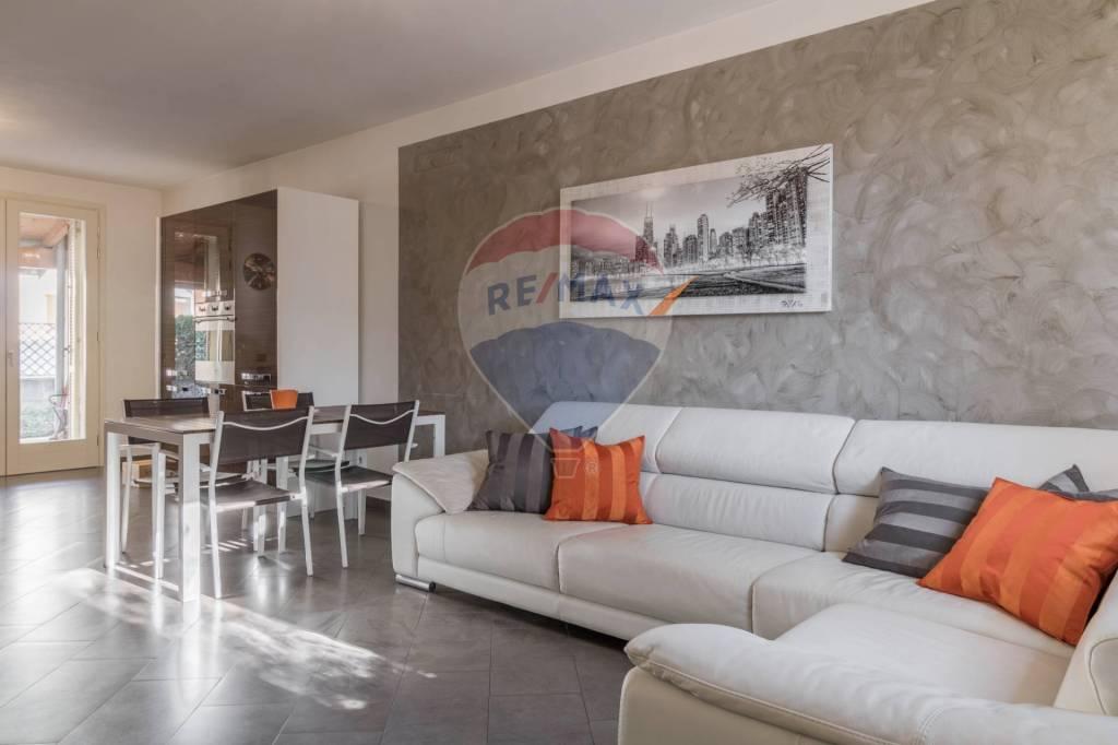 Villa in vendita a Montichiari, 4 locali, prezzo € 239.000   CambioCasa.it