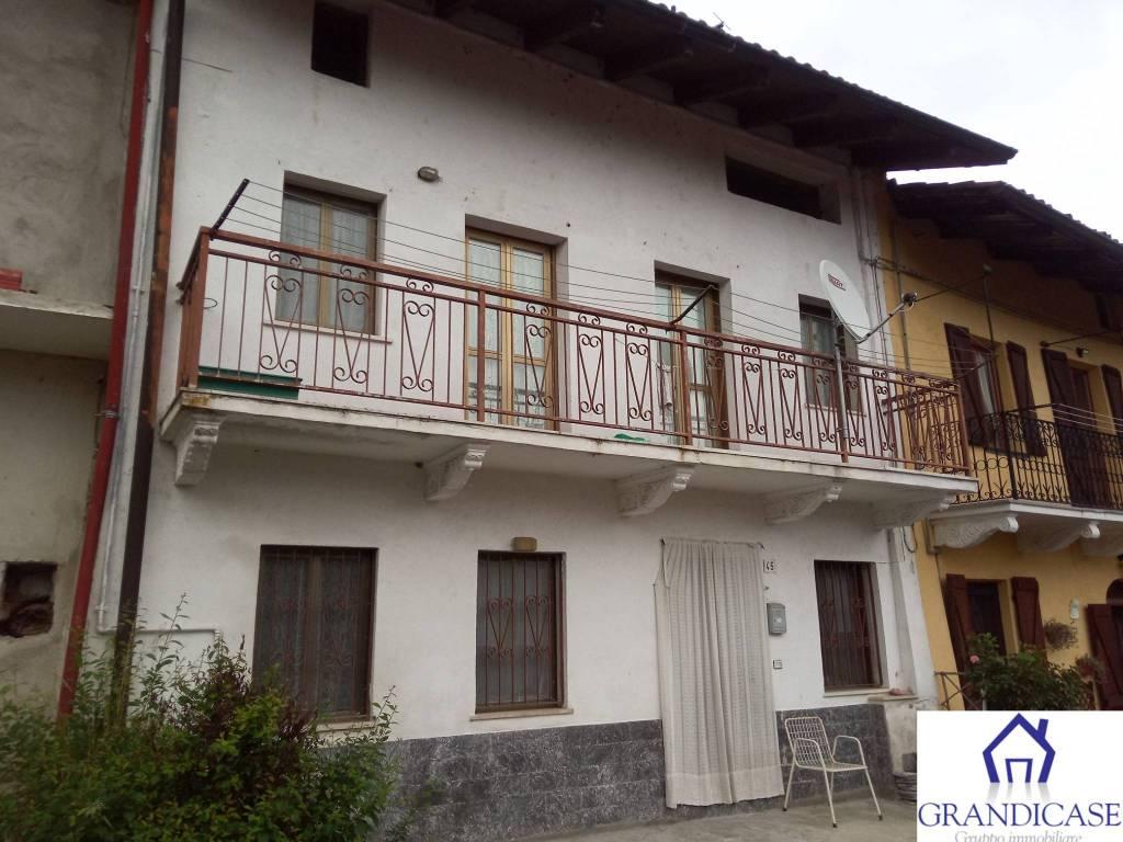 Foto 1 di Casa indipendente strada Nosa, Castagneto Po