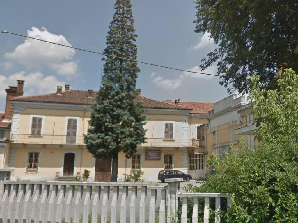 Appartamento da ristrutturare in vendita Rif. 7577406