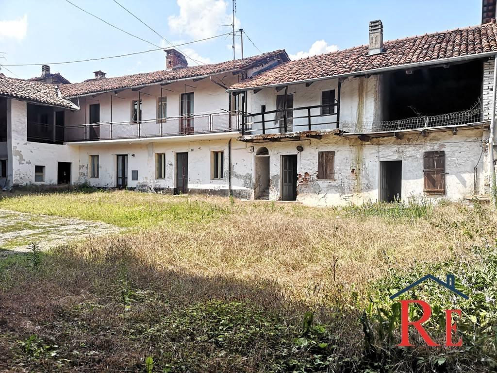 Foto 1 di Rustico / Casale via Conti Rebuffo 22, Villafranca Piemonte