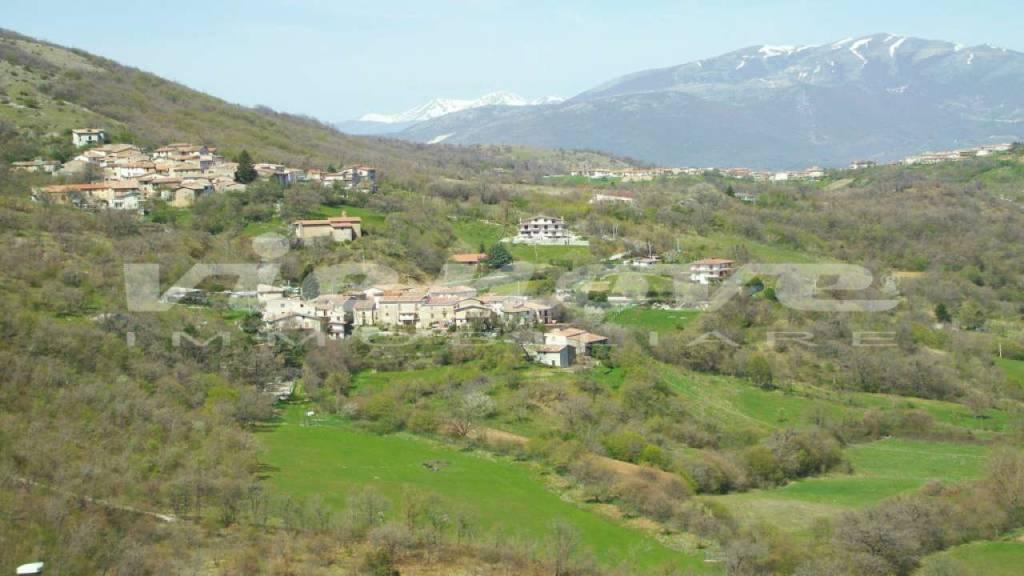 Appartamento in vendita a Lucoli, 2 locali, prezzo € 38.000 | CambioCasa.it