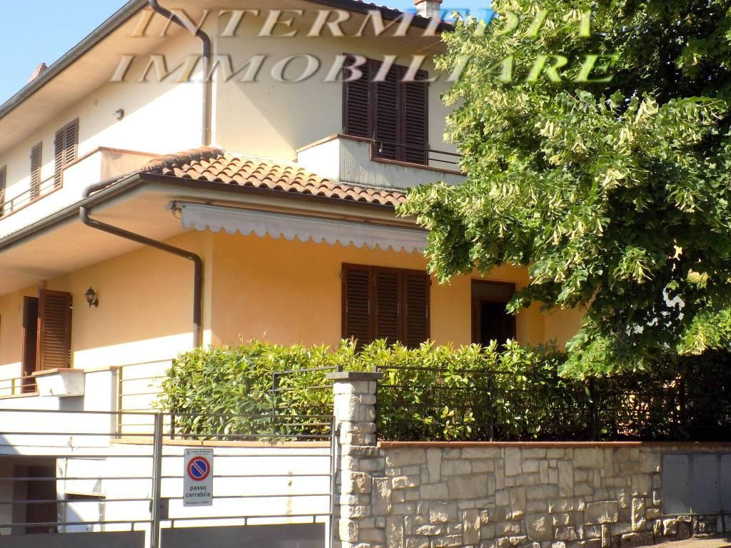 Appartamento in vendita a Cavriglia, 4 locali, prezzo € 240.000 | PortaleAgenzieImmobiliari.it