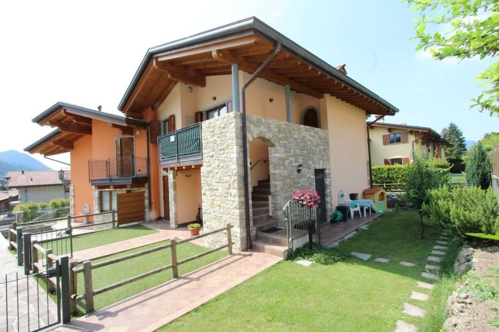 Appartamento in vendita a Rovetta, 4 locali, Trattative riservate | PortaleAgenzieImmobiliari.it