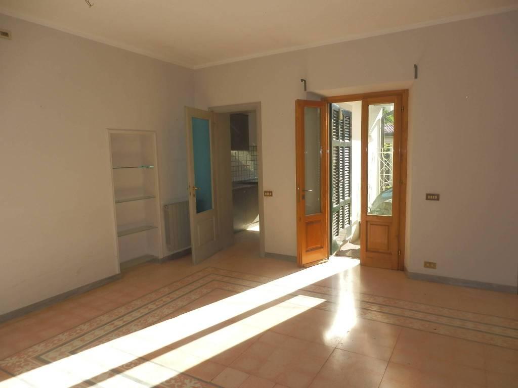 Villetta in Vendita a Viareggio: 5 locali, 260 mq