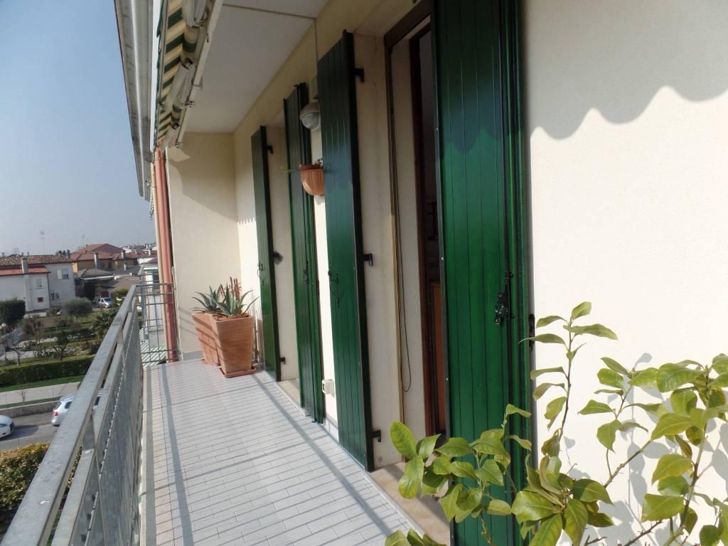 Appartamento in vendita a Meolo, 5 locali, prezzo € 120.000 | PortaleAgenzieImmobiliari.it