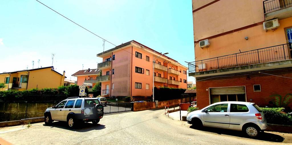 Foto 1 di Trilocale via Nicola Lombardi 4, Catanzaro