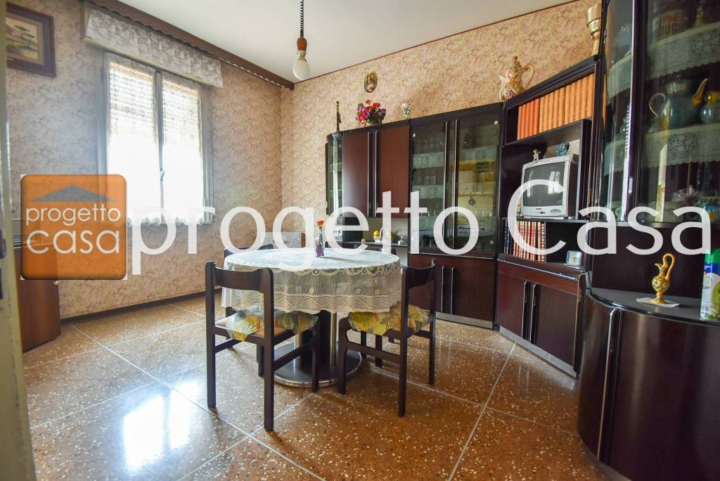 Appartamento da ristrutturare in vendita Rif. 8478872