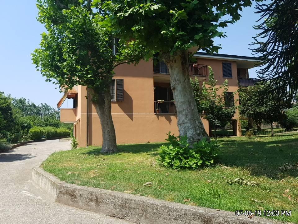 Appartamento in Vendita a Truccazzano Centro: 4 locali, 118 mq