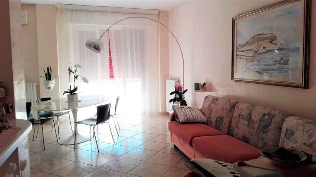 Foto 1 di Appartamento via Loreto, Porto Recanati