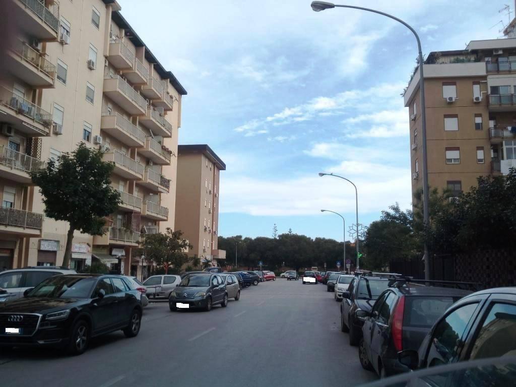 Appartamento in Vendita a Palermo Periferia:  5 locali, 150 mq  - Foto 1
