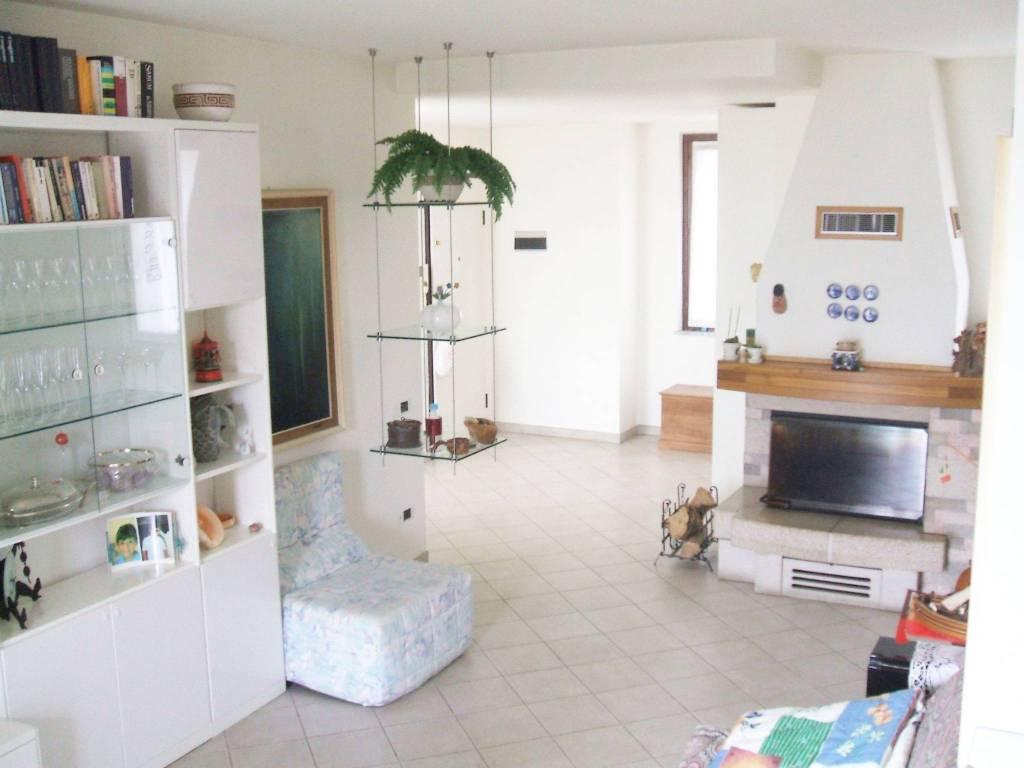 Appartamento in vendita a Mele, 5 locali, prezzo € 265.000 | PortaleAgenzieImmobiliari.it