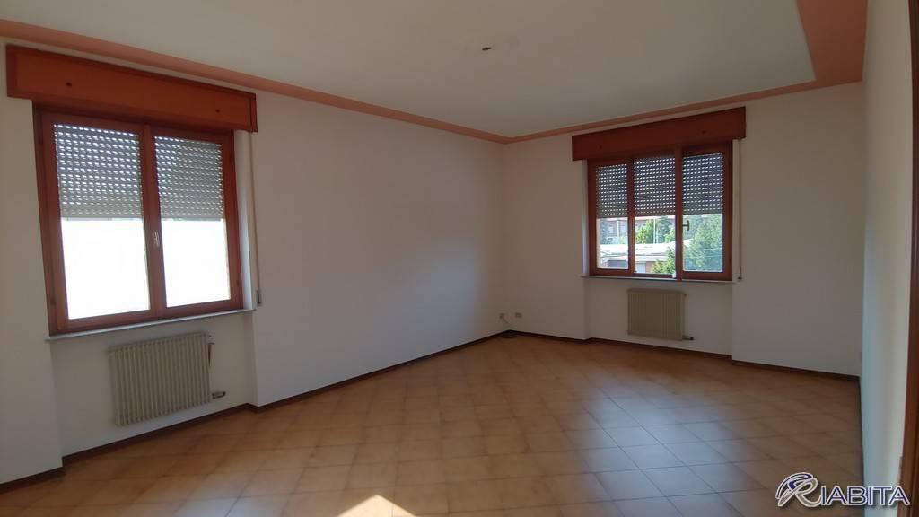 Appartamento in Affitto a San Giorgio Piacentino Centro: 3 locali, 110 mq