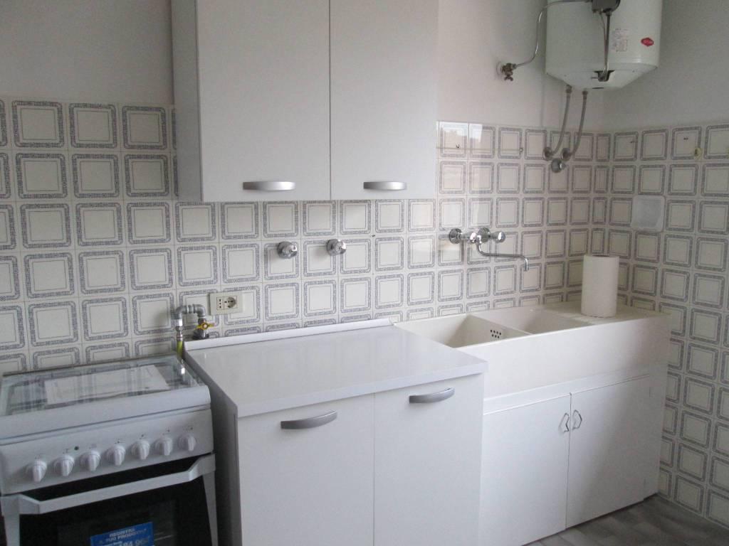 Appartamento in Affitto a Parma Centro: 1 locali, 50 mq