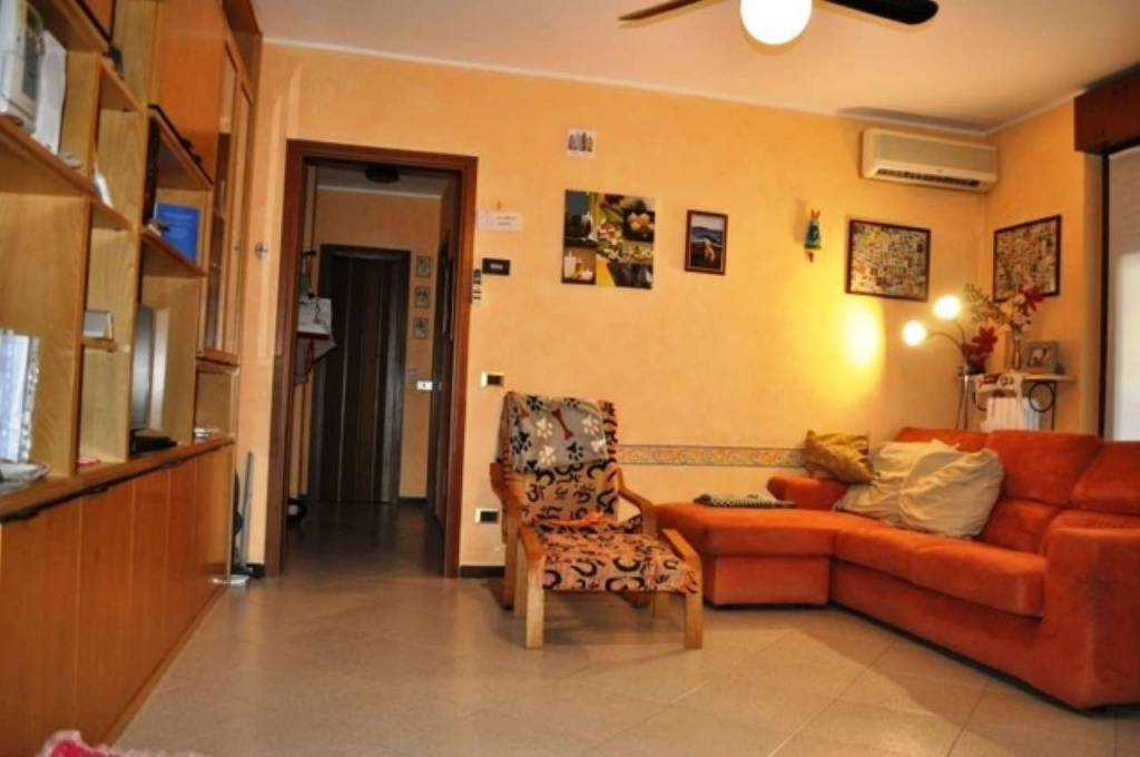 Appartamento in vendita a San Donato Milanese, 4 locali, prezzo € 295.000 | CambioCasa.it