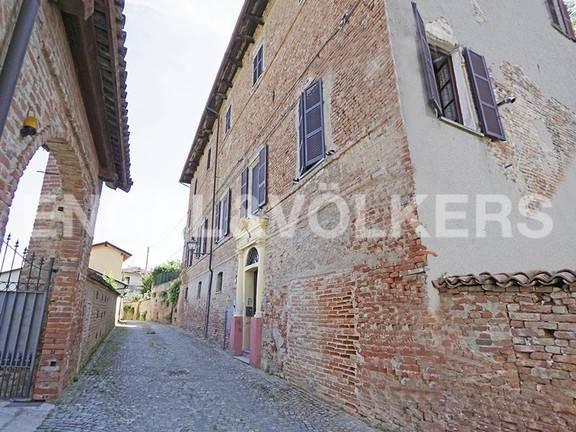 Foto 1 di Palazzo / Stabile via Umberto I, frazione Impero, Incisa Scapaccino