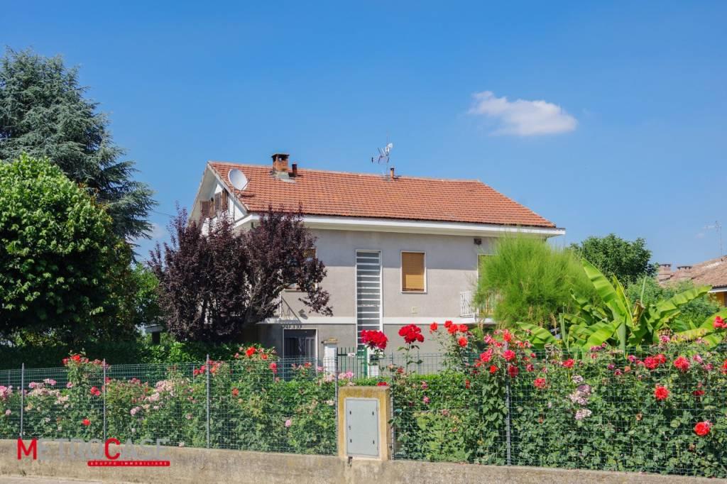 Foto 1 di Villa via Roma 68, Cellarengo