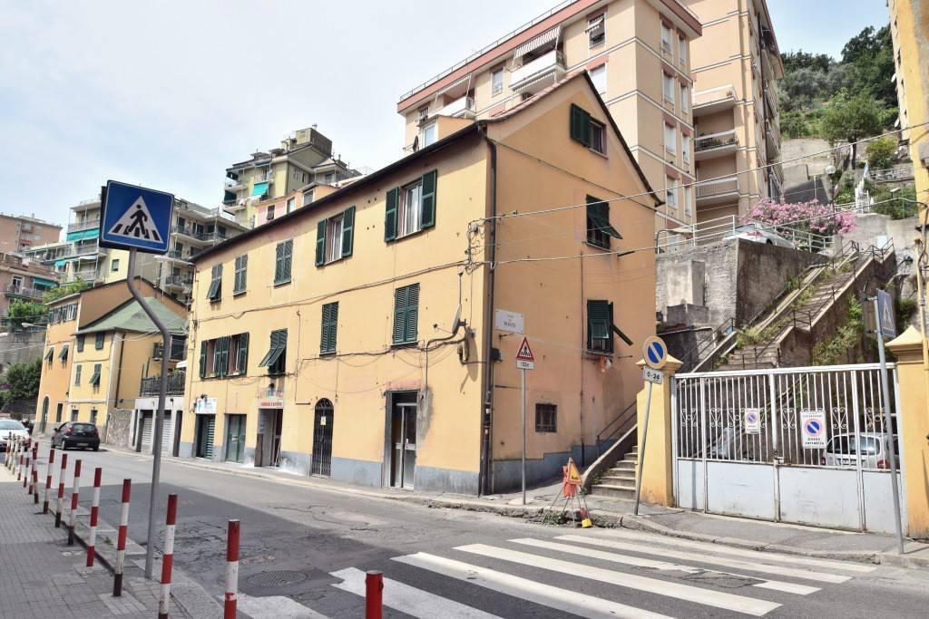 Negozio / Locale in affitto a Genova, 2 locali, zona Zona: 4 . S.Fruttuoso-Borgoratti-S.Martino, prezzo € 300 | CambioCasa.it