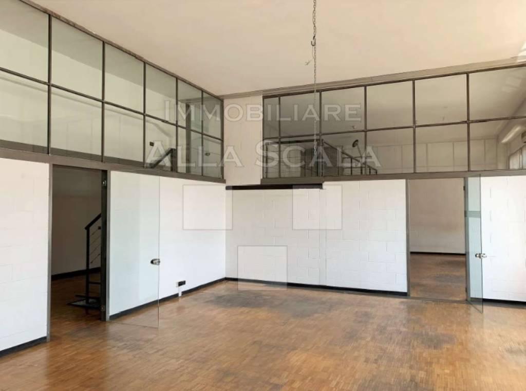 Ufficio-studio in Affitto a Milano 15 Castelbarco / Argelati / Navigli: 5 locali, 600 mq