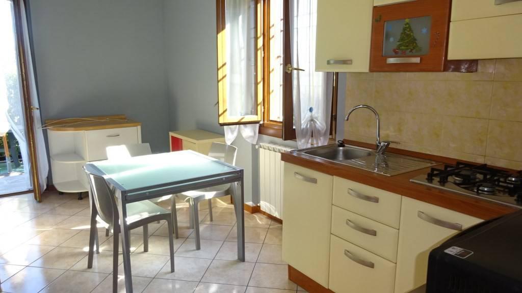 Appartamento in affitto a Azzano San Paolo, 2 locali, prezzo € 550 | CambioCasa.it