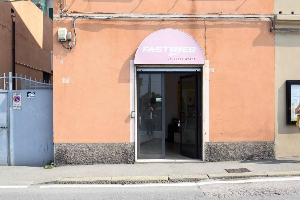 Negozio / Locale in affitto a Genova, 1 locali, zona Zona: 16 . Voltri, Ponente Mare, prezzo € 500 | CambioCasa.it