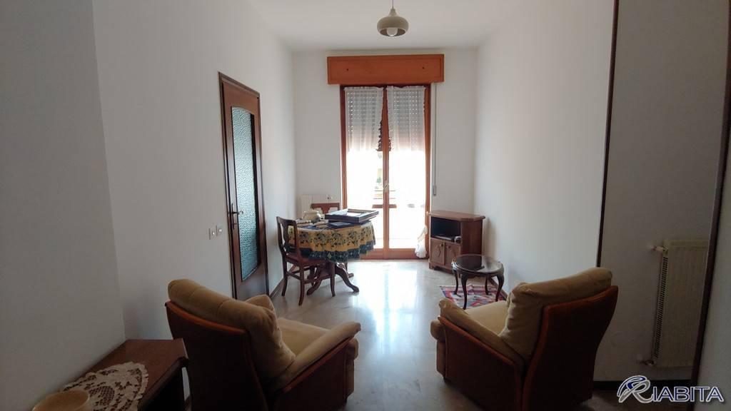 Appartamento in Affitto a Piacenza Semicentro: 2 locali, 65 mq