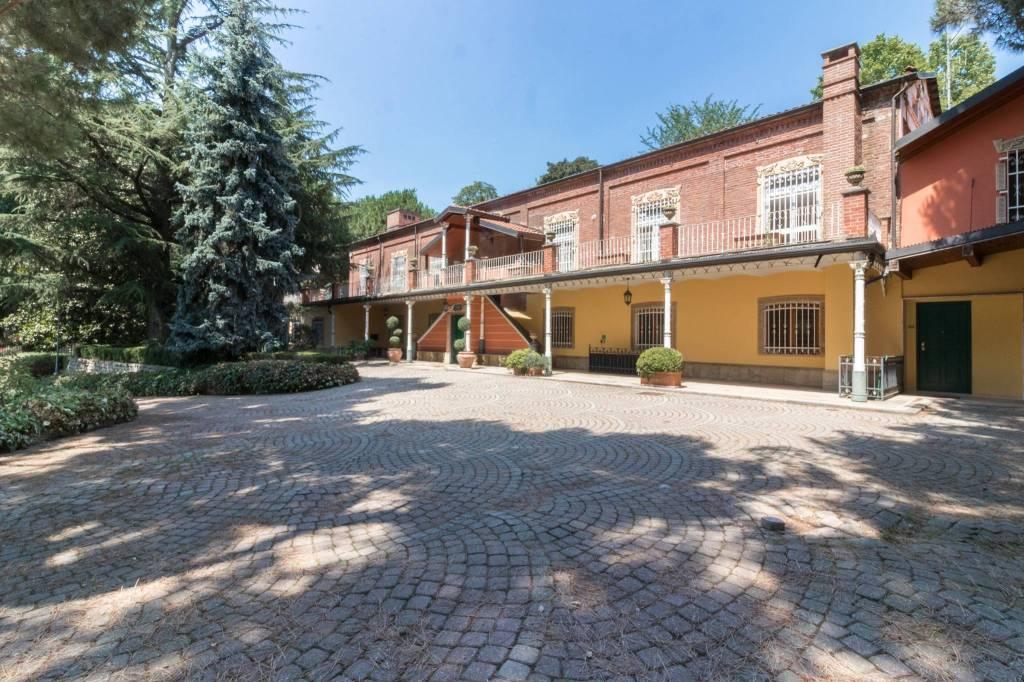 Ufficio / Studio in vendita a Torino, 6 locali, zona Zona: 5 . Collina, Precollina, Crimea, Borgo Po, Granmadre, Madonna del Pilone, prezzo € 2.500.000 | CambioCasa.it