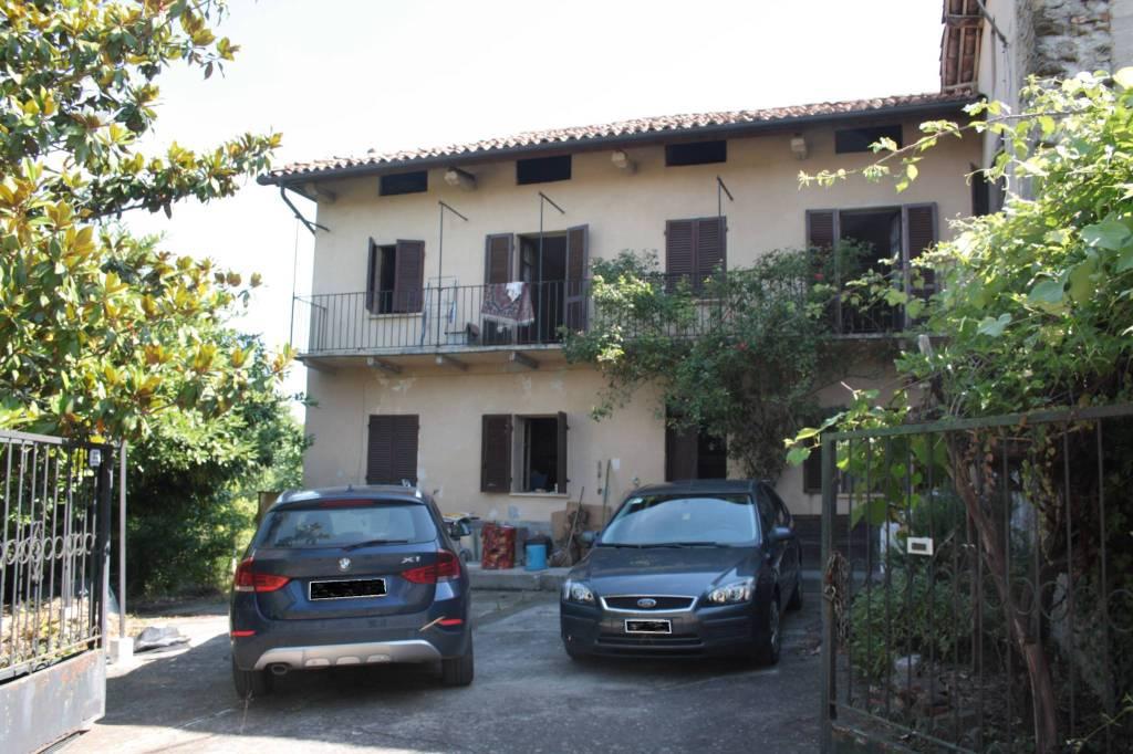 Rustico / Casale in vendita a Canelli, 8 locali, prezzo € 79.000 | PortaleAgenzieImmobiliari.it