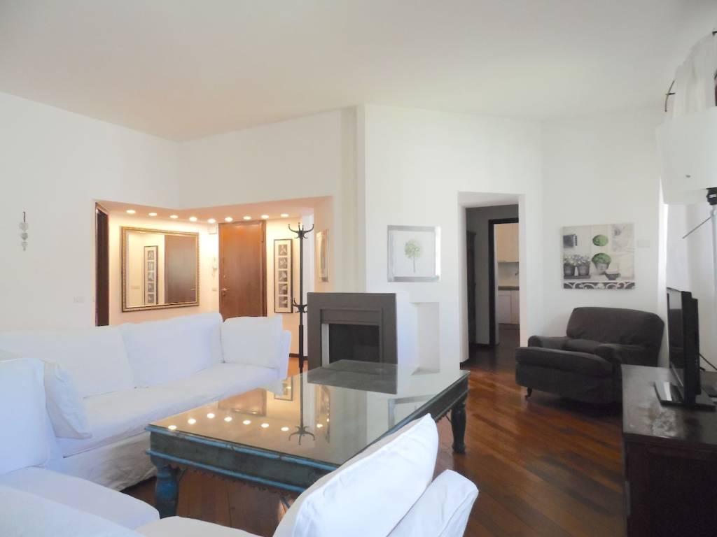 Appartamento in vendita a San Donato Milanese, 4 locali, prezzo € 590.000 | CambioCasa.it