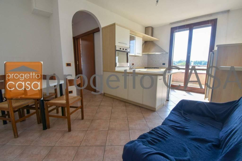 Appartamento in buone condizioni in vendita Rif. 8478871